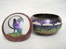 Native American Navajo Made Ceramic Fine Etched Horsehair Small Jewelry Box with Howling Coyote