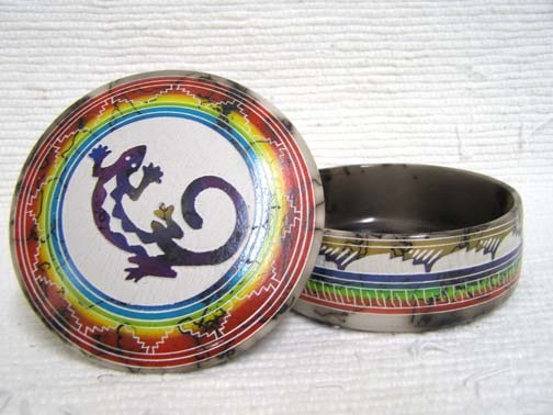 Native American Navajo Made Ceramic Fine Etched Horsehair Medium Jewelry Box by Velcita Whitegoat